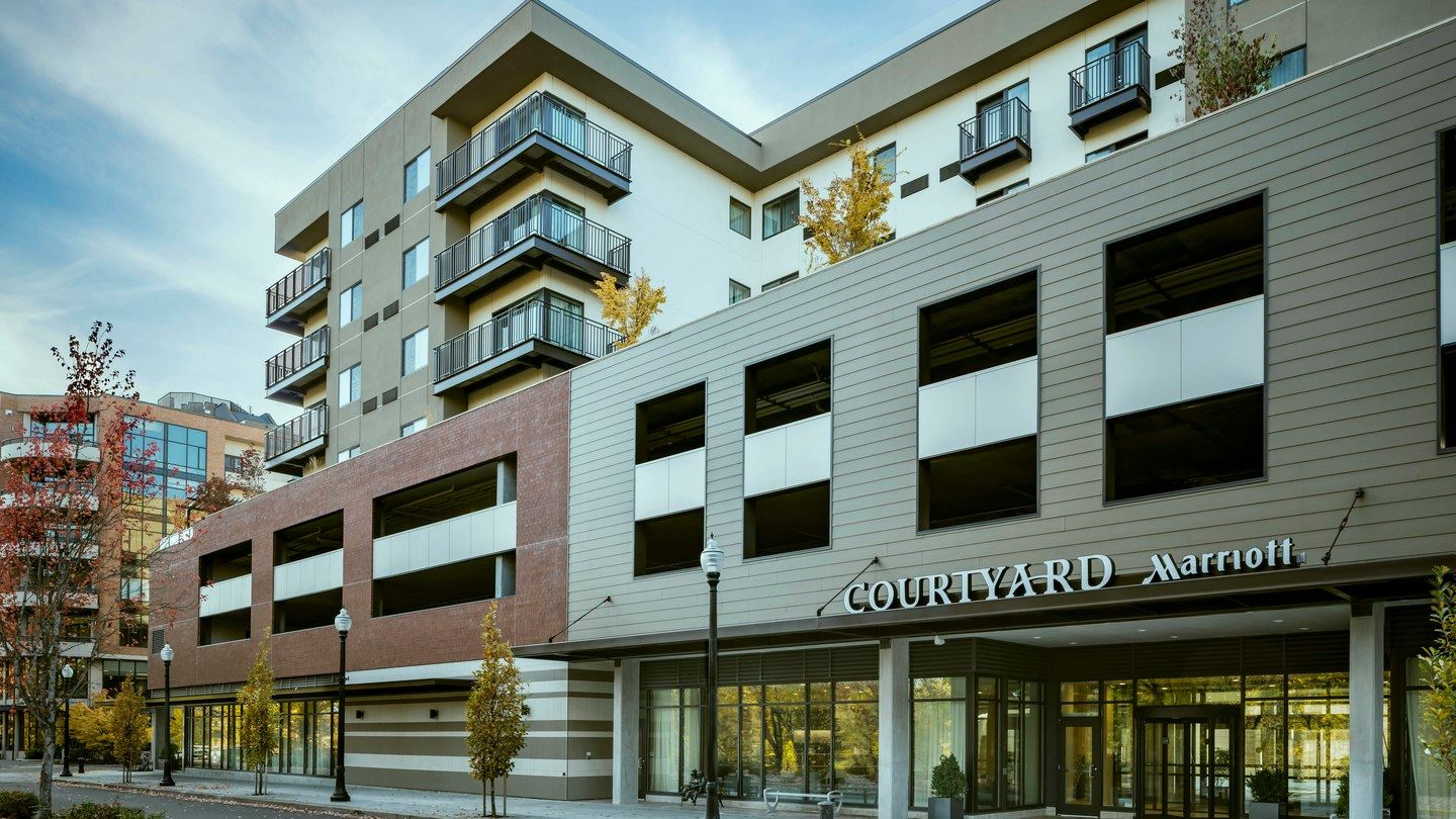 Exterior Courtyard by Marriott, Corvallis, OR