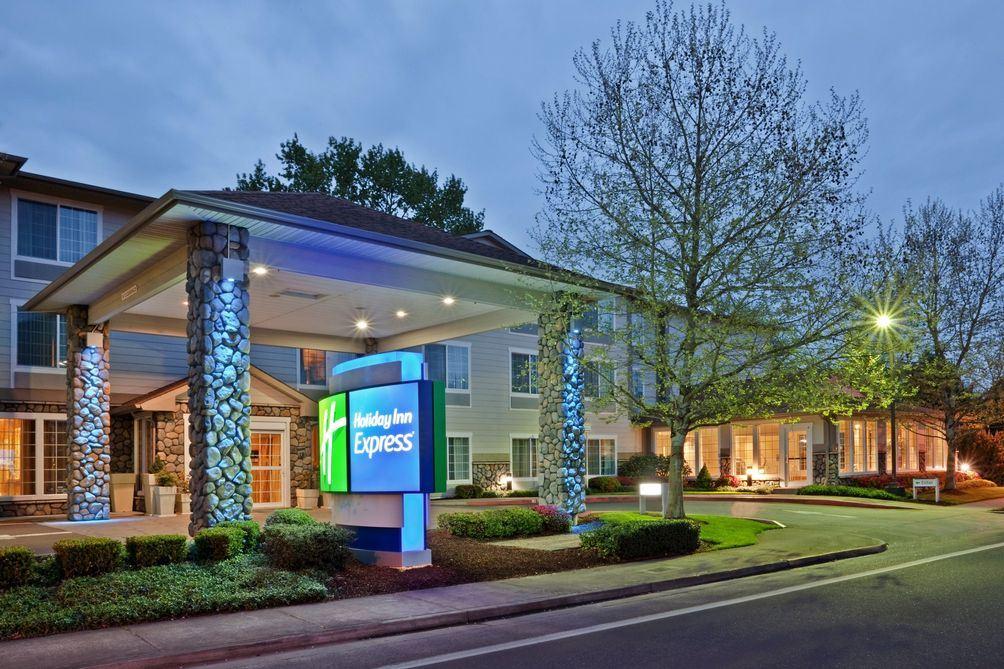 Exterior view of Holiday Inn Express - Official Benton County Fair Hotel, Corvallis, OR