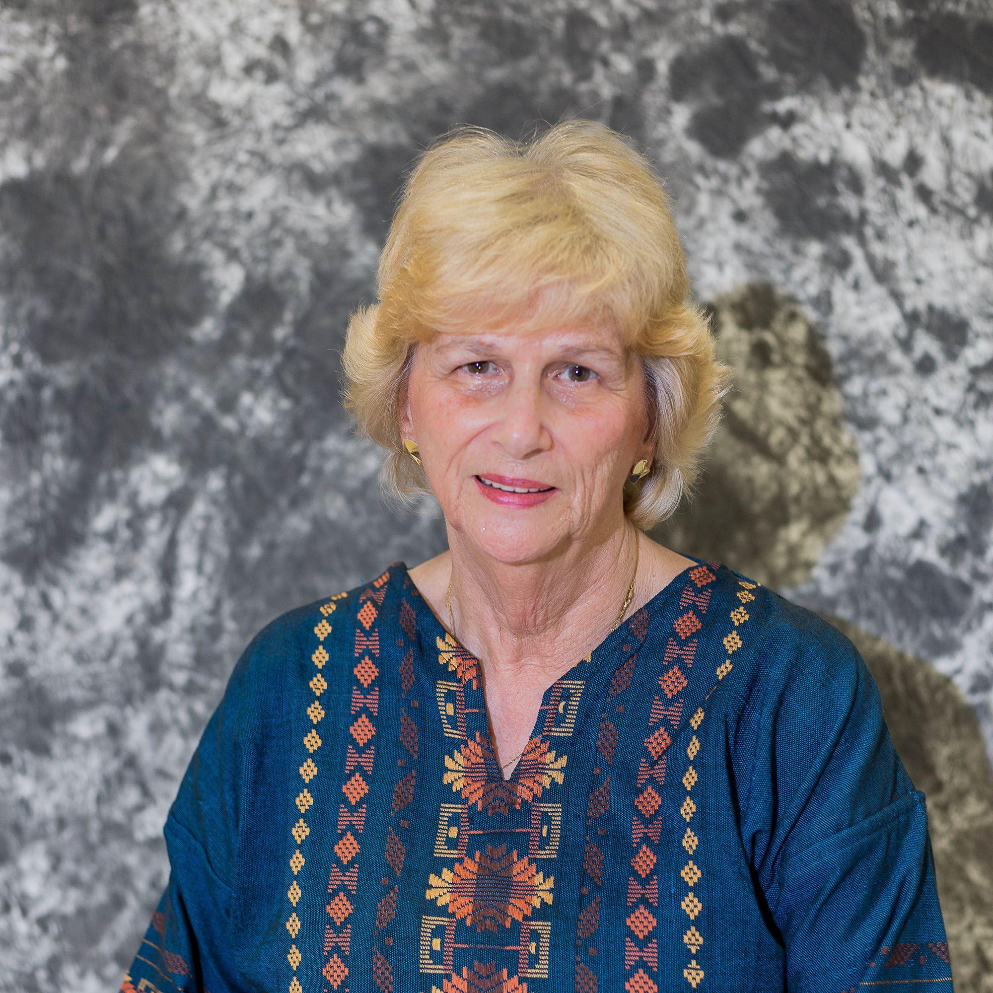 2006 - Linda Holt