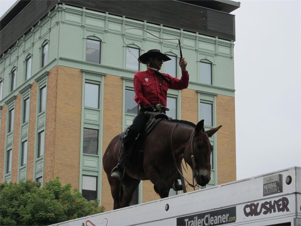 One armed cowboy!