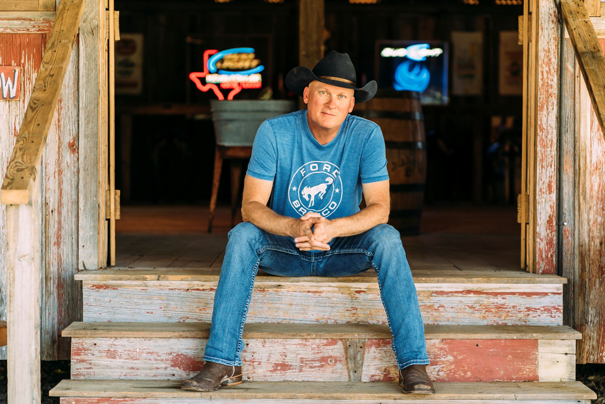 Kevin Fowler w/ PRCA Rodeo