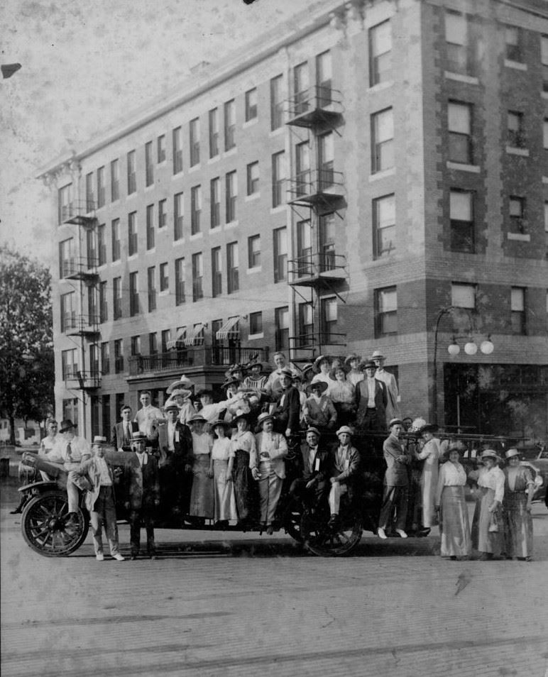 Group of People Outside the Redlands - Late 1910's