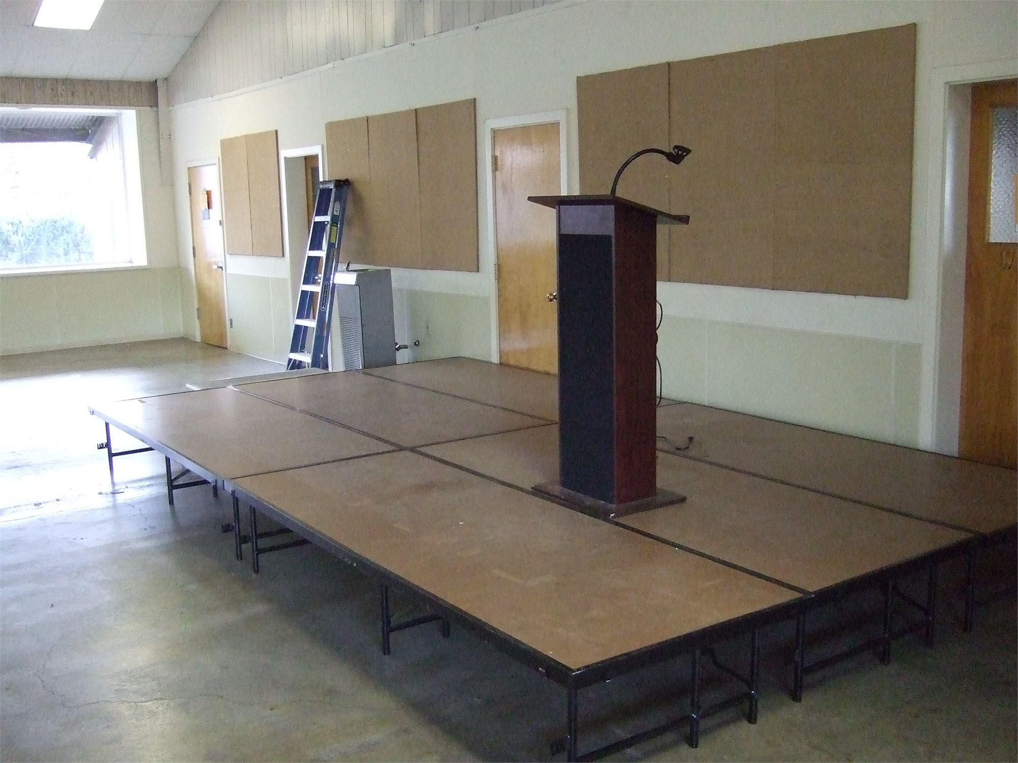 Stage(s) & Podium